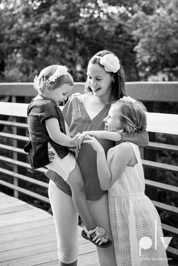 sisters girls children siblings mansfield texas park oliver nature spring mini session Sarah Whittaker Photo La Vie-9.JPG