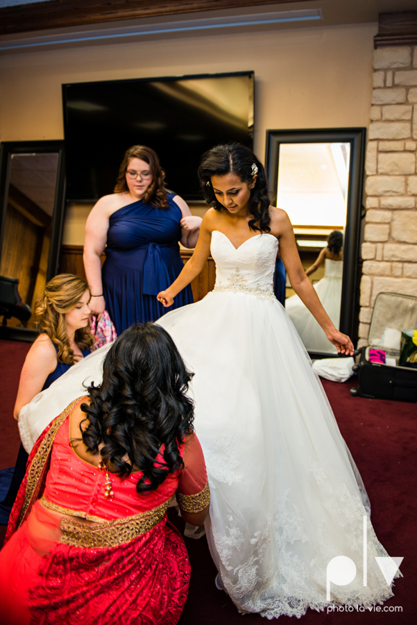 Debbie Trevor wedding ruthe jackson center dfw texas multicultural indian india traditional christian lights Sarah Whittaker Photo La Vie-13.JPG