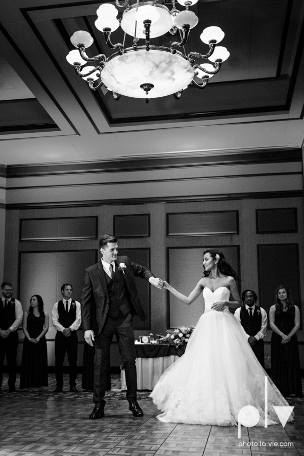 Debbie Trevor wedding ruthe jackson center dfw texas multicultural indian india traditional christian lights Sarah Whittaker Photo La Vie-28.JPG