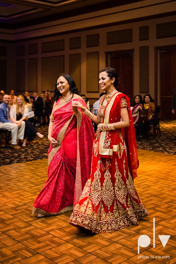 Debbie Trevor wedding ruthe jackson center dfw texas multicultural indian india traditional christian lights Sarah Whittaker Photo La Vie-32.JPG