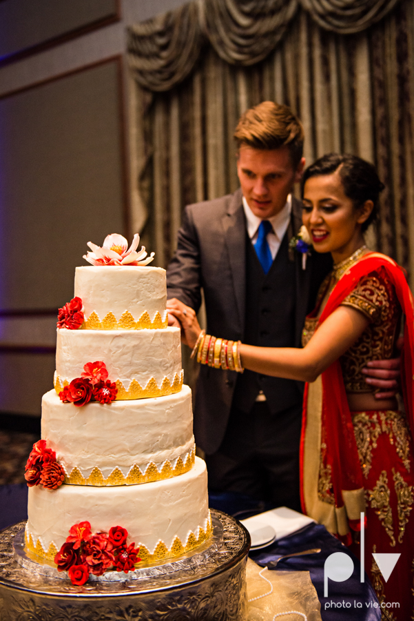 Debbie Trevor wedding ruthe jackson center dfw texas multicultural indian india traditional christian lights Sarah Whittaker Photo La Vie-34.JPG