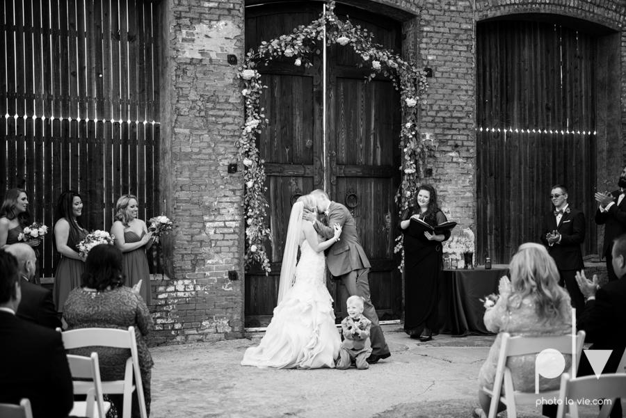 alyssa adam schroeder wedding mckinny cotton mill dfw texas outdoors summer wedding married pink dress vines walls blue lights Sarah Whittaker Photo La Vie-38.JPG