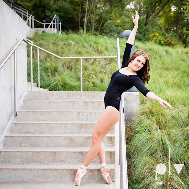 #dancerstakedowntown #ballerina #enpointe #stairstepper #fortworth #ftworth