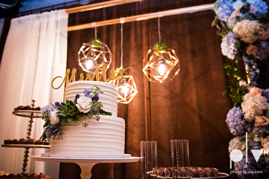 potts wedding hickory street annex dallas texas tx bride groom couple floral blues fabulous lighting donuts cake Tara Todd Sarah Whittaker Photo La Vie-33.JPG