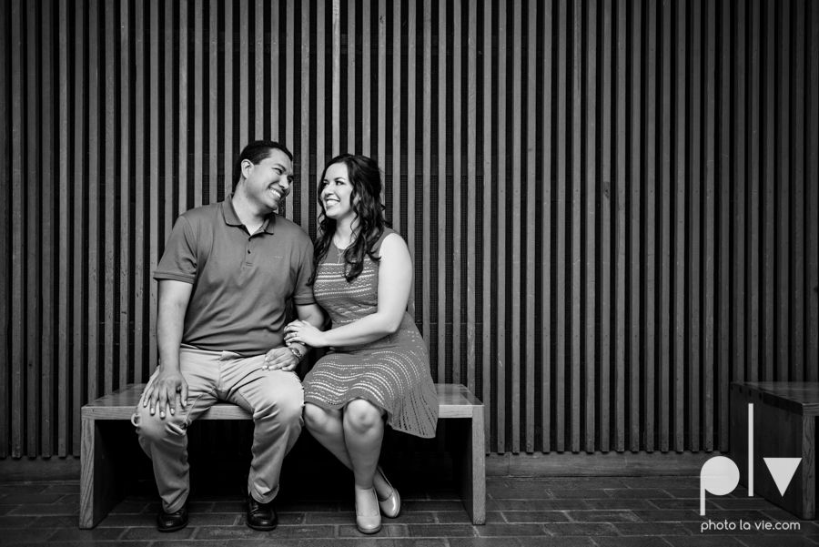 DFW engagement session Dallas hunt hill bridge pedestrian bridge University of Dallas couple DU summer Photo La Vie-7.JPG