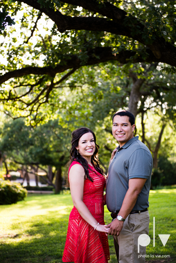 DFW engagement session Dallas hunt hill bridge pedestrian bridge University of Dallas couple DU summer Photo La Vie-9.JPG
