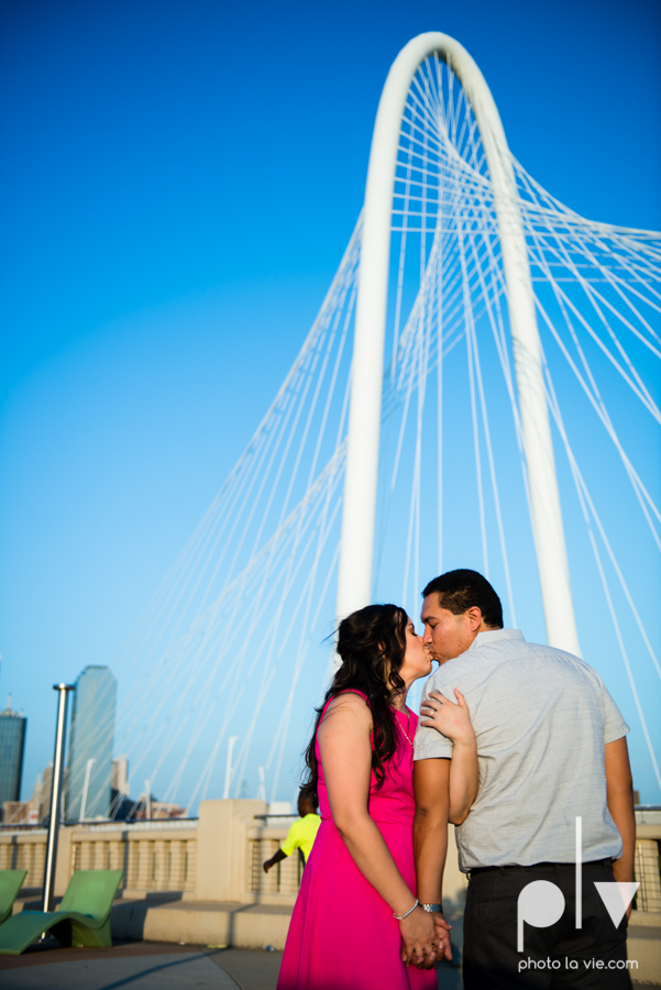 DFW engagement session Dallas hunt hill bridge pedestrian bridge University of Dallas couple DU summer Photo La Vie-17.JPG