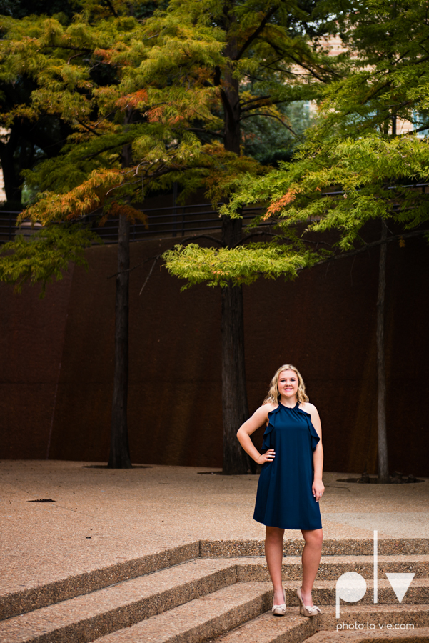 Senior session downtown fort worth water gardens DFW texas flute band urban skyrise sundance square philip johnson fall autumn Sarah Whittaker Photo La Vie-12.JPG