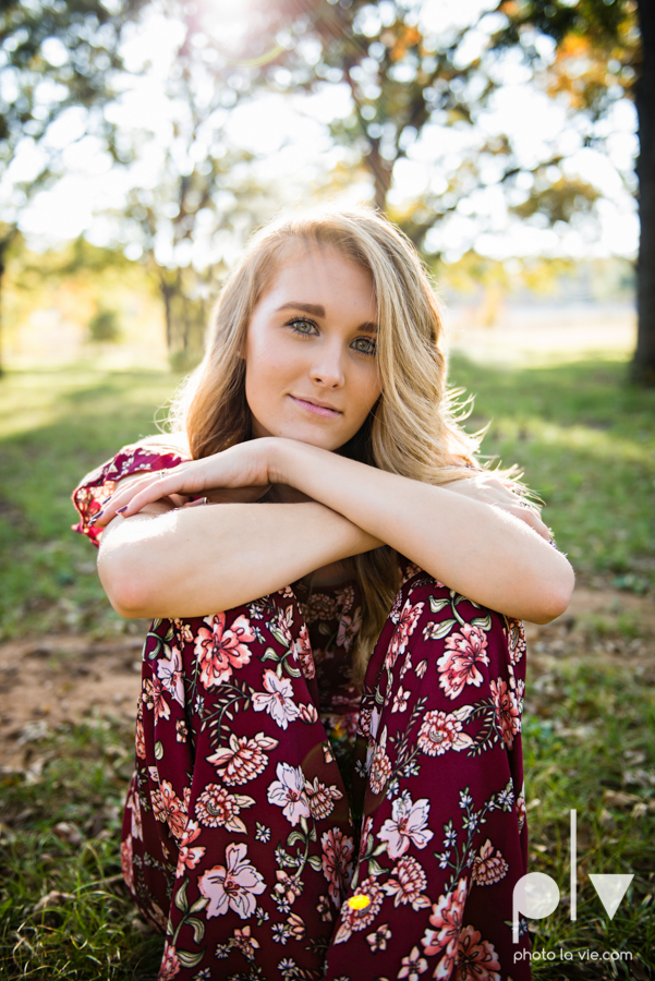 senior session fall golden hour high school back lit bridge boots downtown mansfield texas oliver nature park autumn summer vibes Sarah Whittaker Photo La Vie-13.JPG