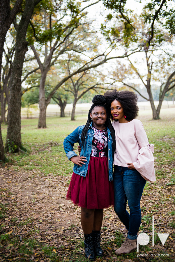 family mini session Oliver nature park mansfield texas children siblings kids couple teens tweens boy girl african american black purple outfits style Sarah Whittaker Photo La Vie-5.JPG