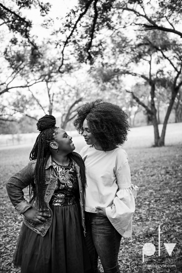 family mini session Oliver nature park mansfield texas children siblings kids couple teens tweens boy girl african american black purple outfits style Sarah Whittaker Photo La Vie-7.JPG