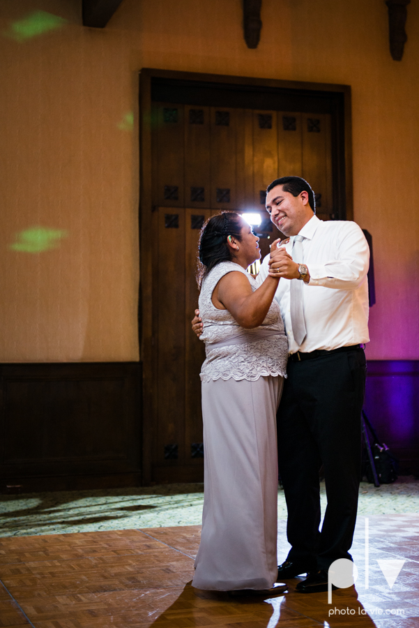 wedding photography dallas texas university of dallas irving las colinas country club mariachi Sarah Whittaker Photo La Vie-50.JPG