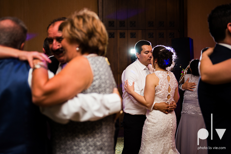 wedding photography dallas texas university of dallas irving las colinas country club mariachi Sarah Whittaker Photo La Vie-55.JPG