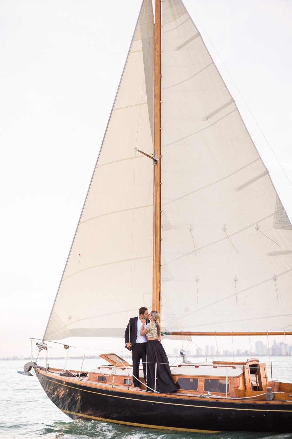 naples-luxury-sailing-engagement-photography-nautical-sailboat-engagement_1090.jpg