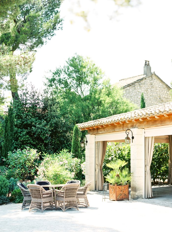 mas-de-la-rose-provence-france-destination-film-wedding-photographer-4529_06.jpg