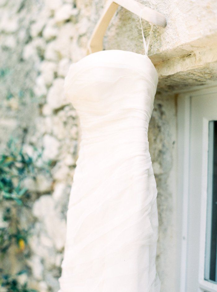 mas-de-la-rose-provence-france-destination-film-wedding-photographer-4555_06.jpg