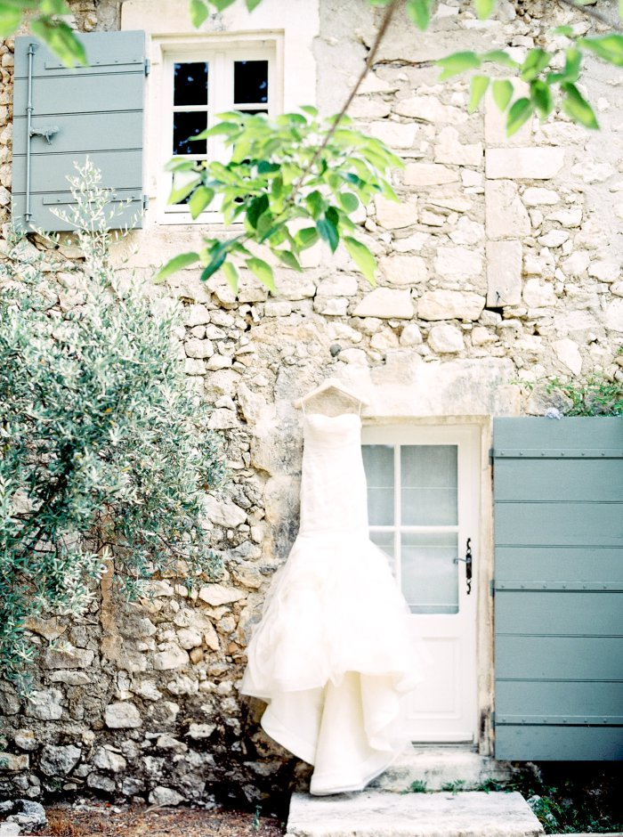 mas-de-la-rose-provence-france-destination-film-wedding-photographer-4555_07.jpg