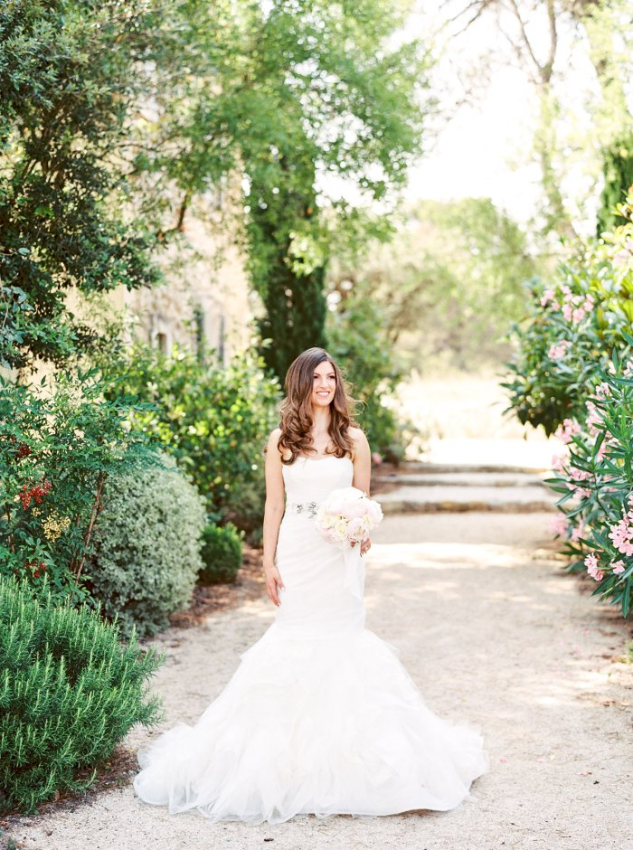 mas-de-la-rose-provence-france-destination-film-wedding-photographer-4572_03.jpg