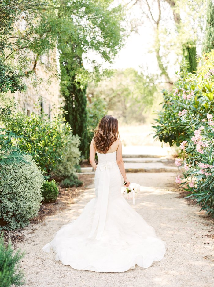 mas-de-la-rose-provence-france-destination-film-wedding-photographer-4573_03.jpg