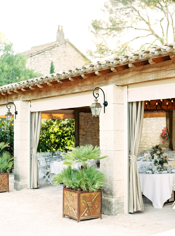 mas-de-la-rose-provence-france-destination-film-wedding-photographer-4602_02.jpg