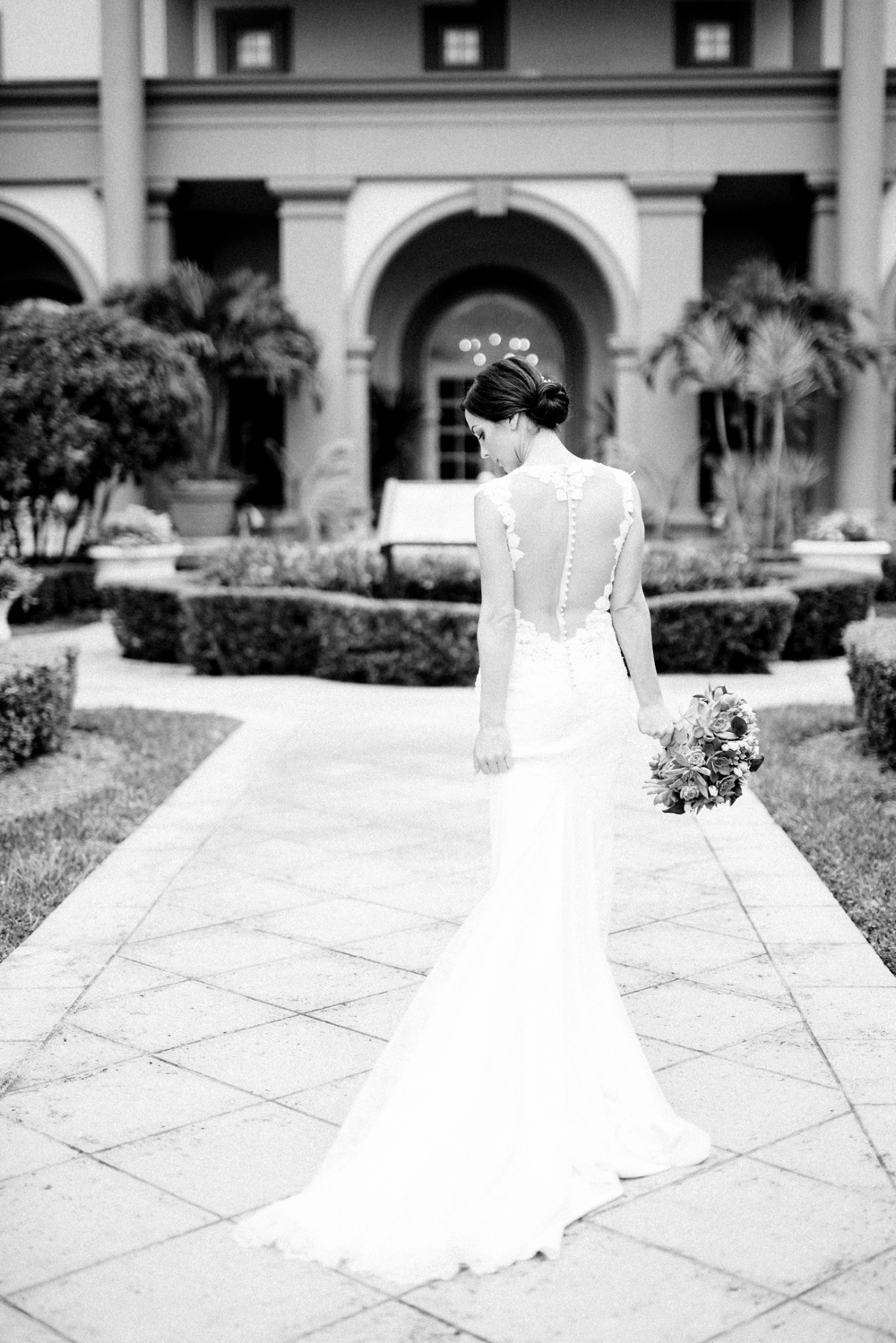 Naples_Wedding_Photograper_ Intimate_Wedding_0914.jpg