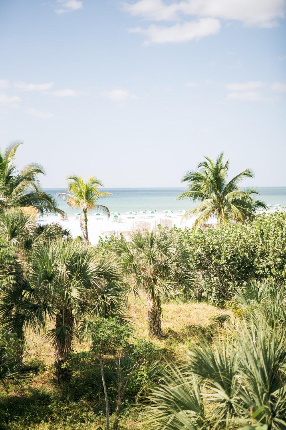 marco-beach-ocean-resort-naples-florida-wedding-photographer-hunter-ryan-photo-04478.jpg