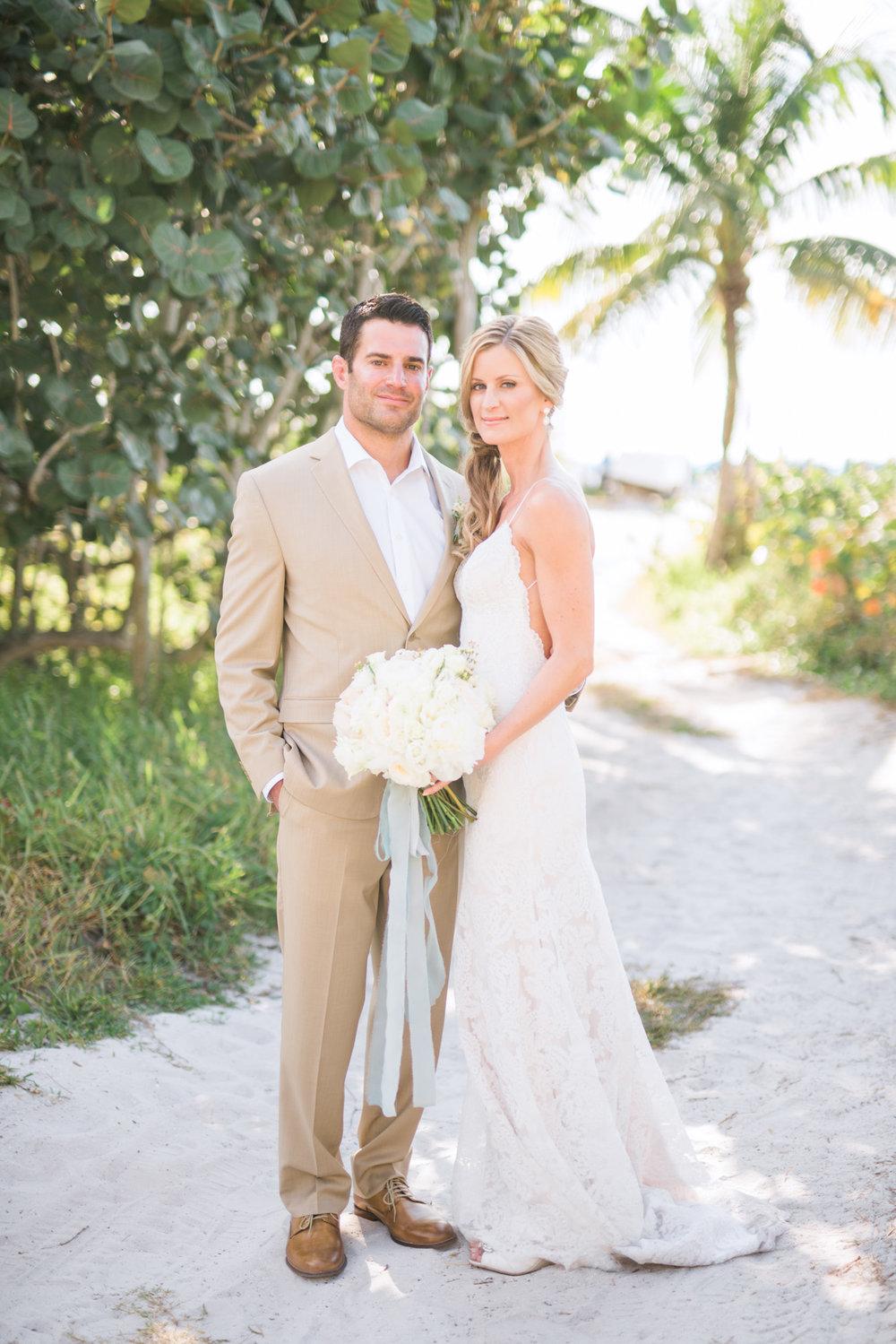 marco-beach-ocean-resort-naples-florida-wedding-photographer-hunter-ryan-photo-04942.jpg