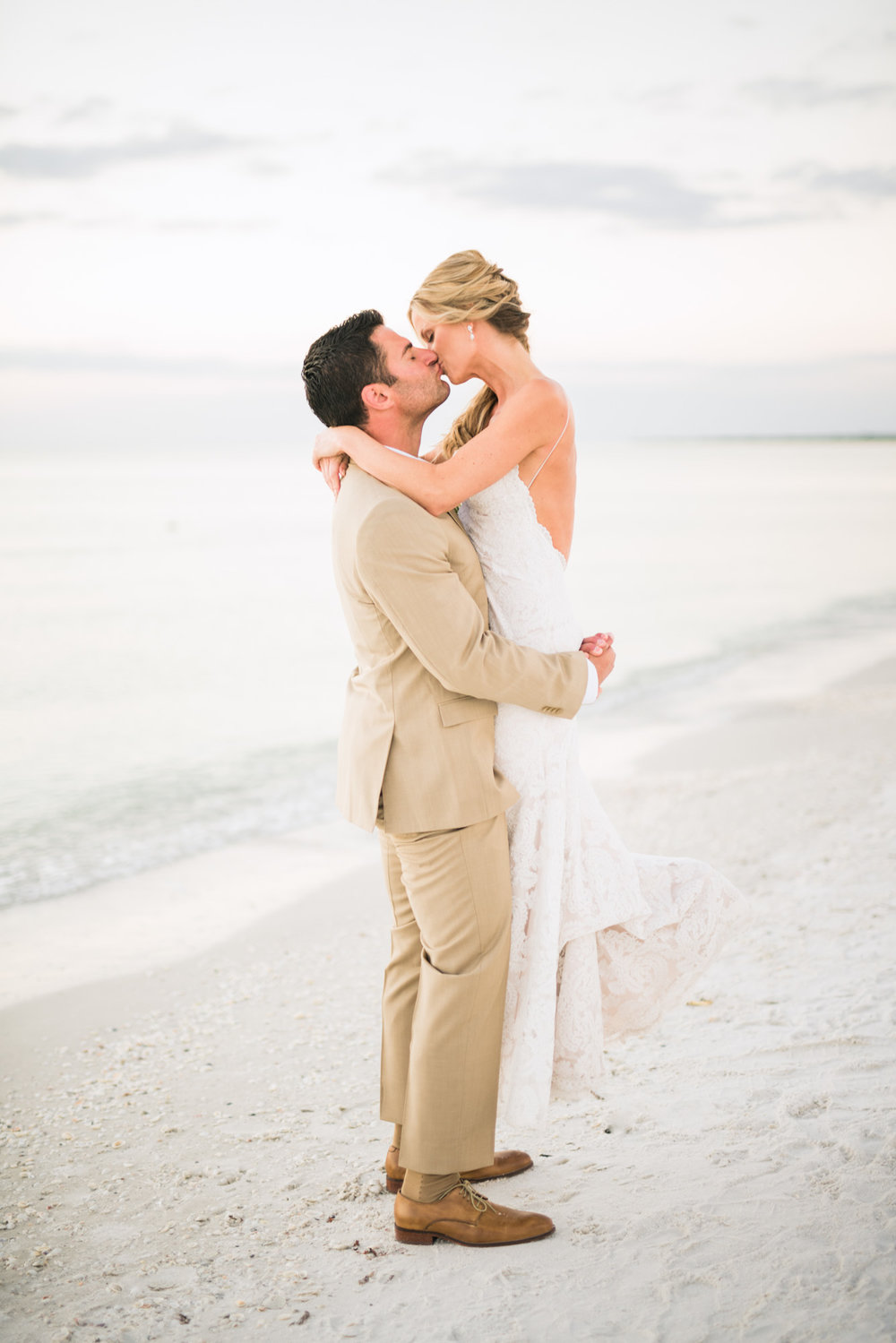 marco-beach-ocean-resort-naples-florida-wedding-photographer-hunter-ryan-photo-06246.jpg