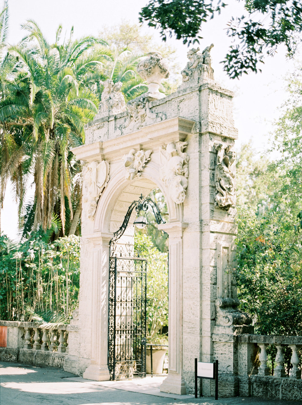 vizcaya-miami-destination-film-wedding-photographer-4427_02.jpg