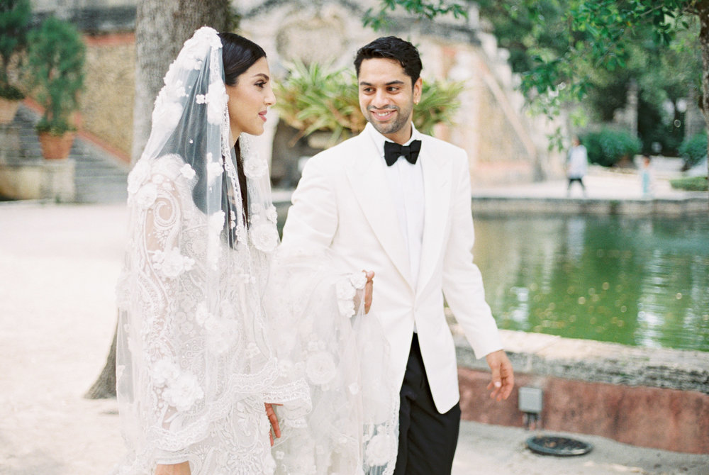 vizcaya-miami-destination-film-wedding-photographer-4432_34.jpg