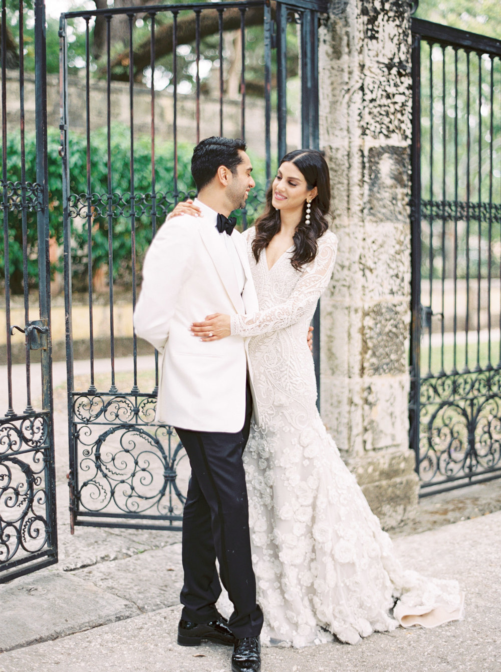 vizcaya-miami-destination-film-wedding-photographer-4429_07.jpg