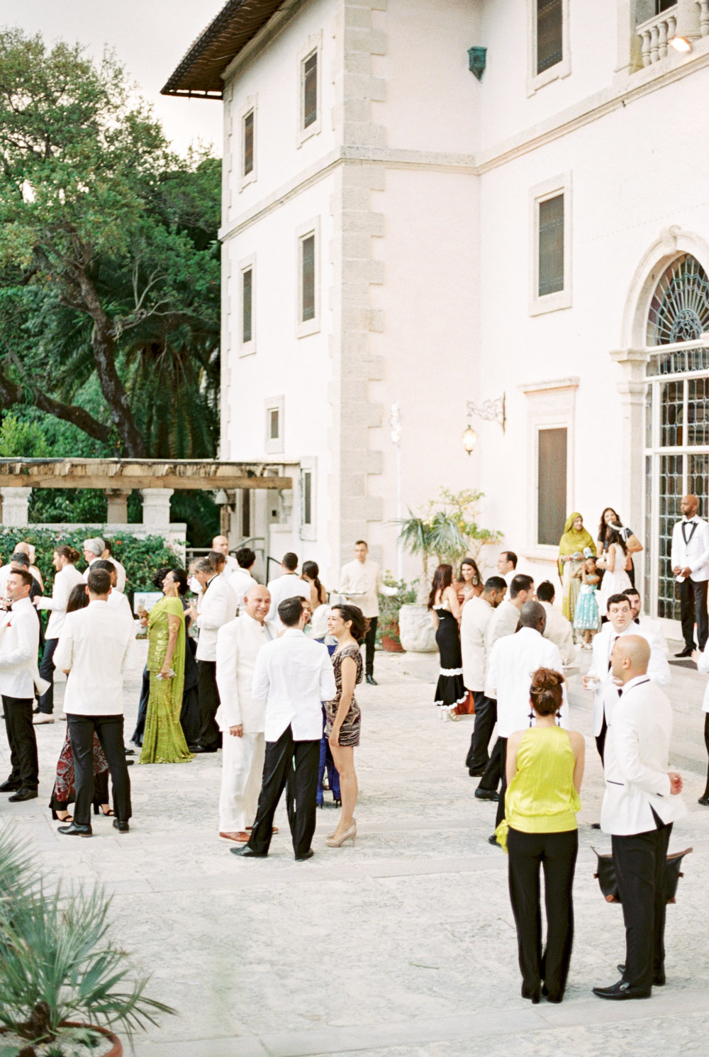 vizcaya-miami-destination-film-wedding-photographer-4446_22.jpg