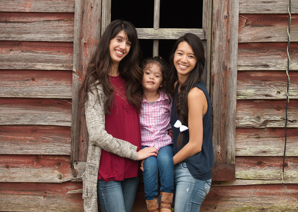 Jessica, Devri & Kahla - Traci is amazing at what she does! She is fun and energetic and great with kids! We all had a great time shooting with her! Would definitely recommend her to anyone looking for a photographer