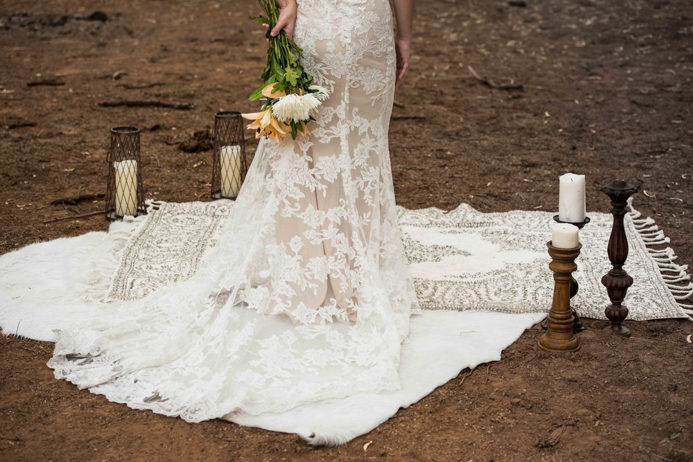 Vendor highlight - Material Girls Weddings - Are you dreaming of having your elopement styled perfectly or having all the best details at your intimate wedding? If so, you really need to check out Material Girls Weddings. They have a huge selection of anything you could dream to have at your boho, chic or edgy wedding.