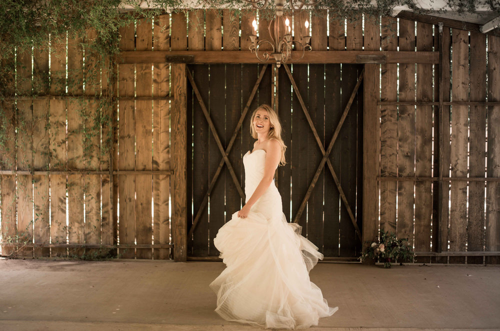 Phoenix Elopement Wedding Dress Rental.jpg