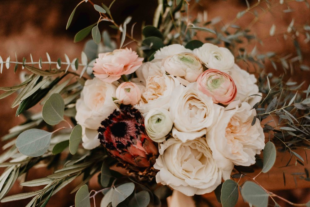 Special Thanks to I do Rentals! - I Do Rentals is a husband and wife team that never stops amazing me!! If you are getting married and need flowers or looking for some awesome rentals check them out!
