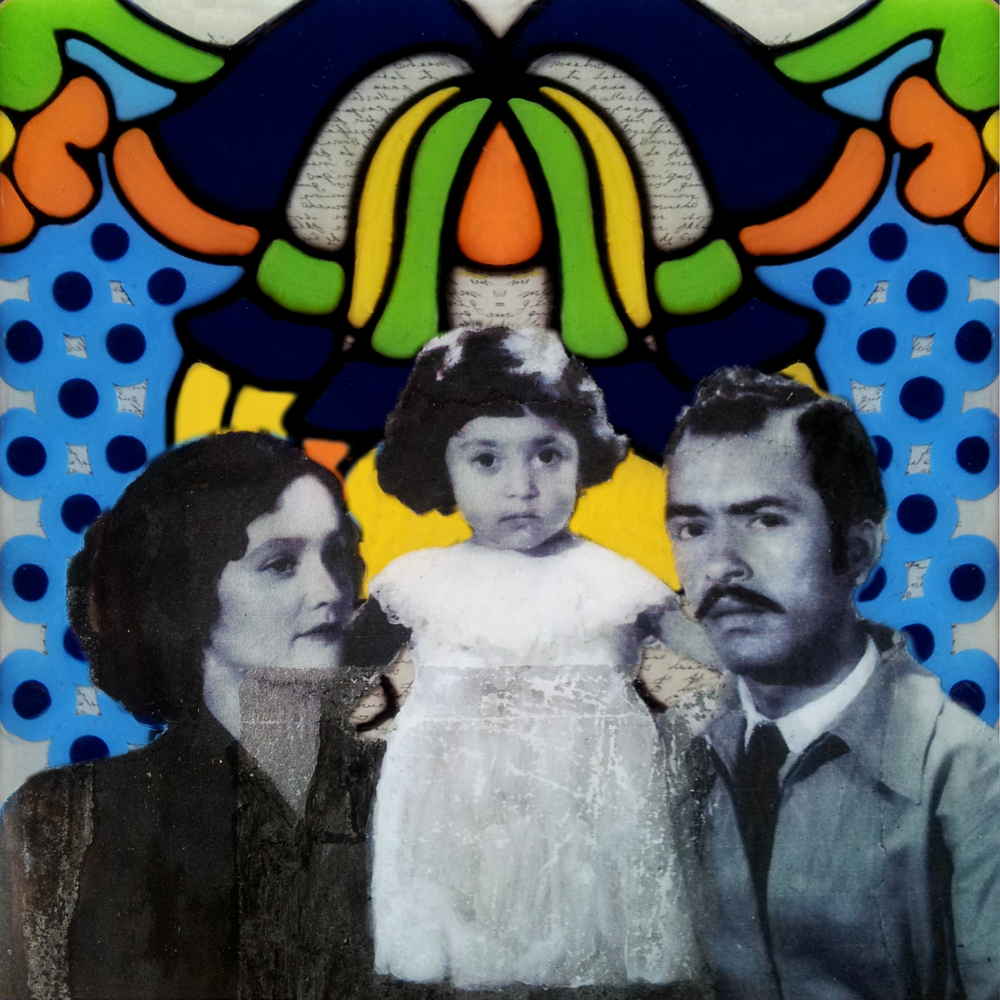 Hecho de Arcilla, No. 4  La Madre y Sus Padres (Mother and Her Parents)