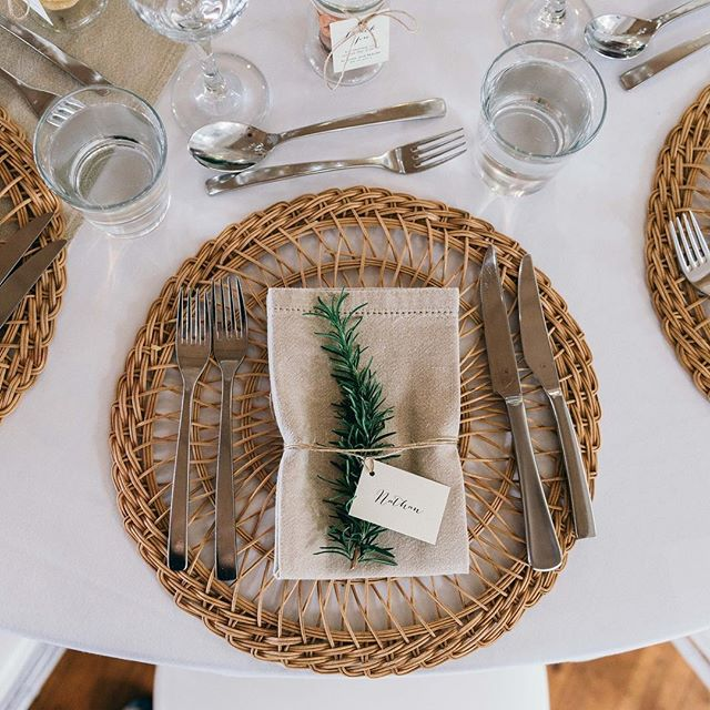 What a beautiful place setting 💕 📷 by @figtreepictures Venue @weddingsattiffanys  Hire items @splashevents Stationery @bluebellestudio . . #bluebellestudio #weddingivitations #woodinvitations #weddingsattiffanys #queenslandwedding #weddinginspo #flatlay #adelaidegraphicdesigner #tablesetting #rusticwedding