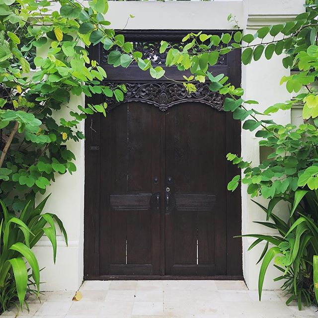 V A C A Y If you aren't aware, I'm currently taking some much need time away from my studio to rest. Back in full swing answering all your enquiries from 8th Jan.  Much love people ✌🏼 . . . #outofoffice #bluebellestudio #doorsofbali #bali #holidays #vacation #rechagingmybatteries