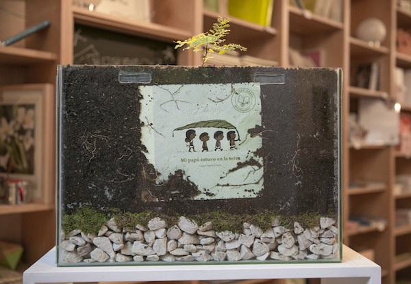 THE BOOK THAT GROWS INTO A TREE (video)