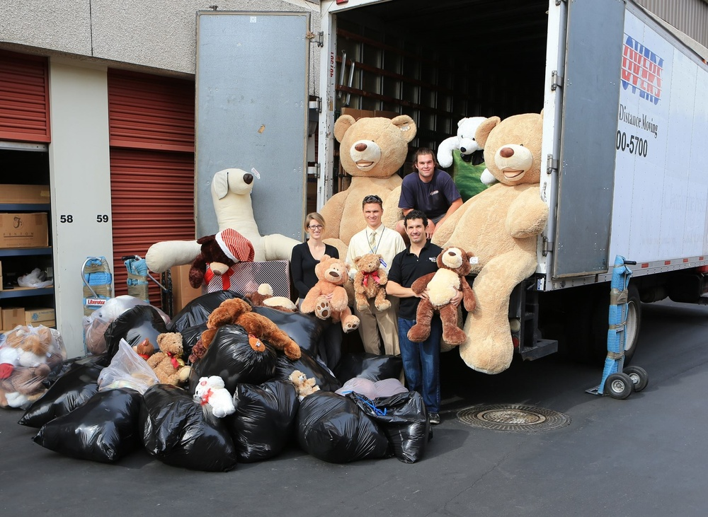 Rady_Childrens_Hospital_Donation_of_Teddy_Bears_by_Cruise_4_Kids.jpg