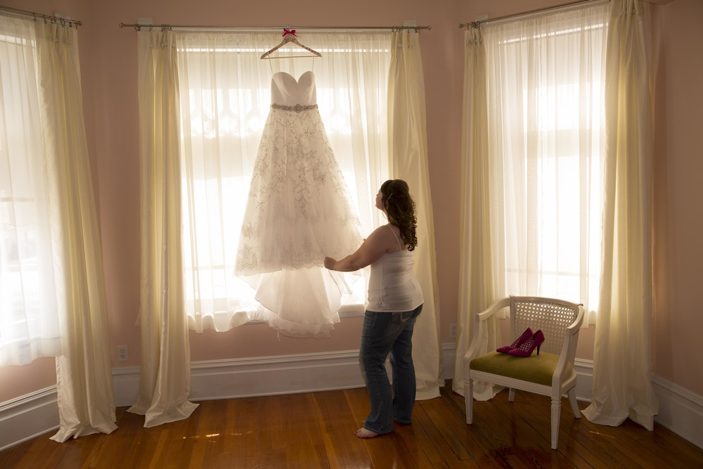 wedding-dress-austin-mansion