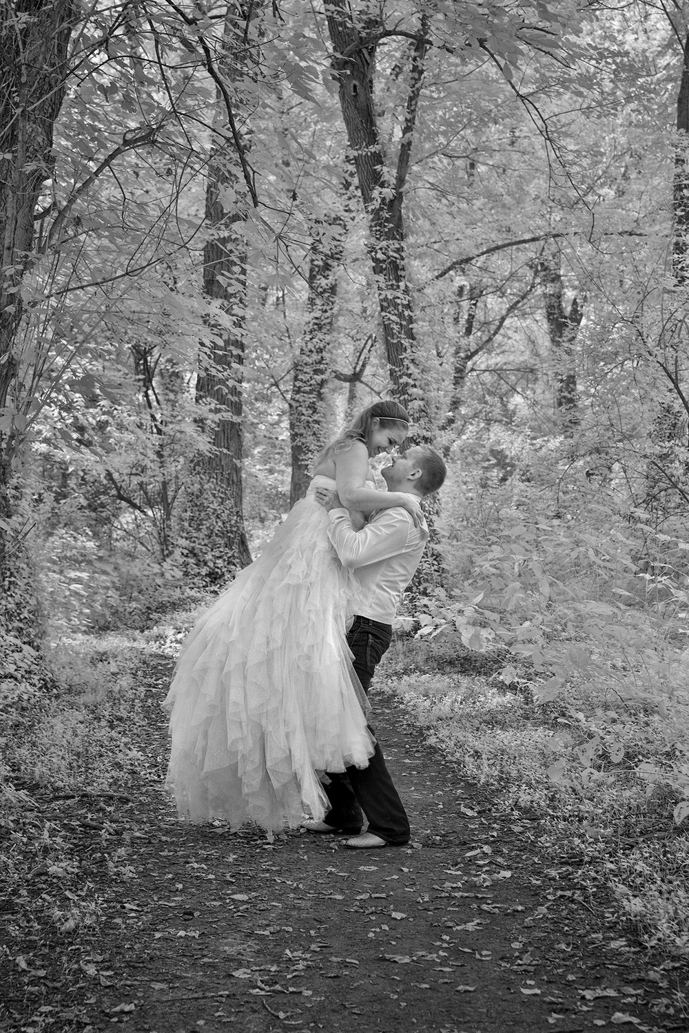 infrared-bride-and-groom-in-belleville-il