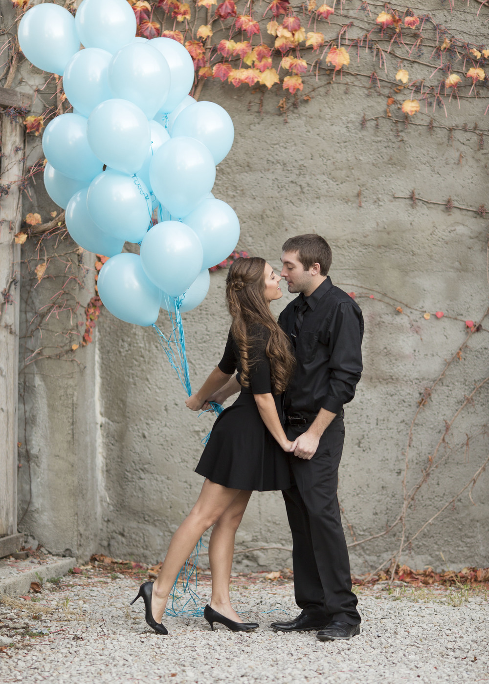 couple-with-balloons-stlouis