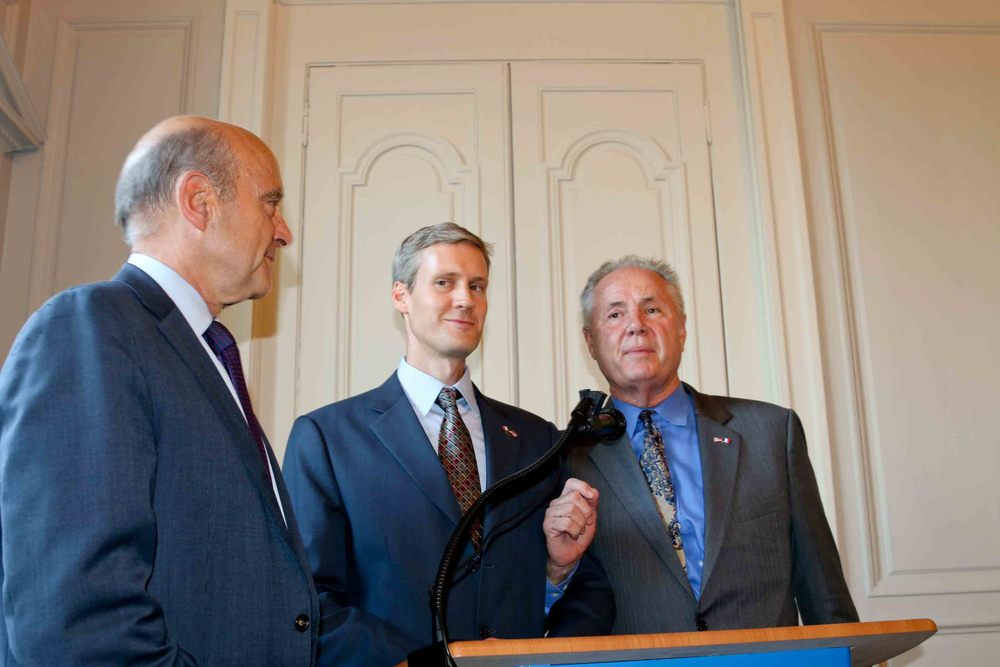 Mayor Alain Juppé, U.S Consul General. Thomas Wolf and Councilmember Tom LaBonge