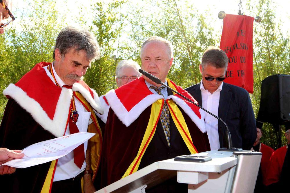 Councilmember Tom LaBonge receives theAmbassadeur d'Honneur des Vins de Bordeaux