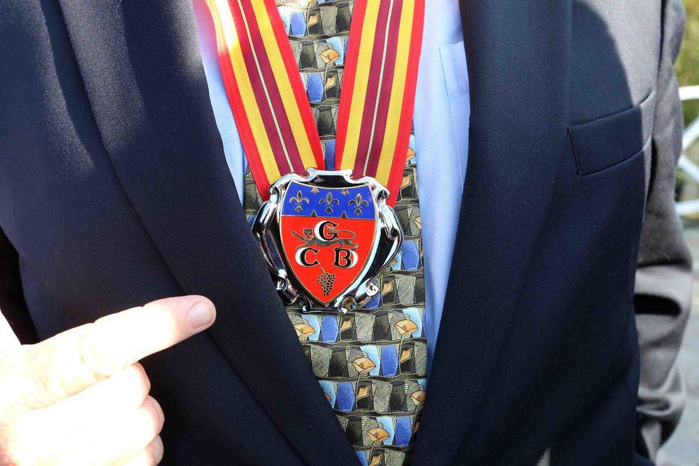 Councilmember Tom LaBonge   Ambassadeur d'Honneur des Vins de Bordeaux medal