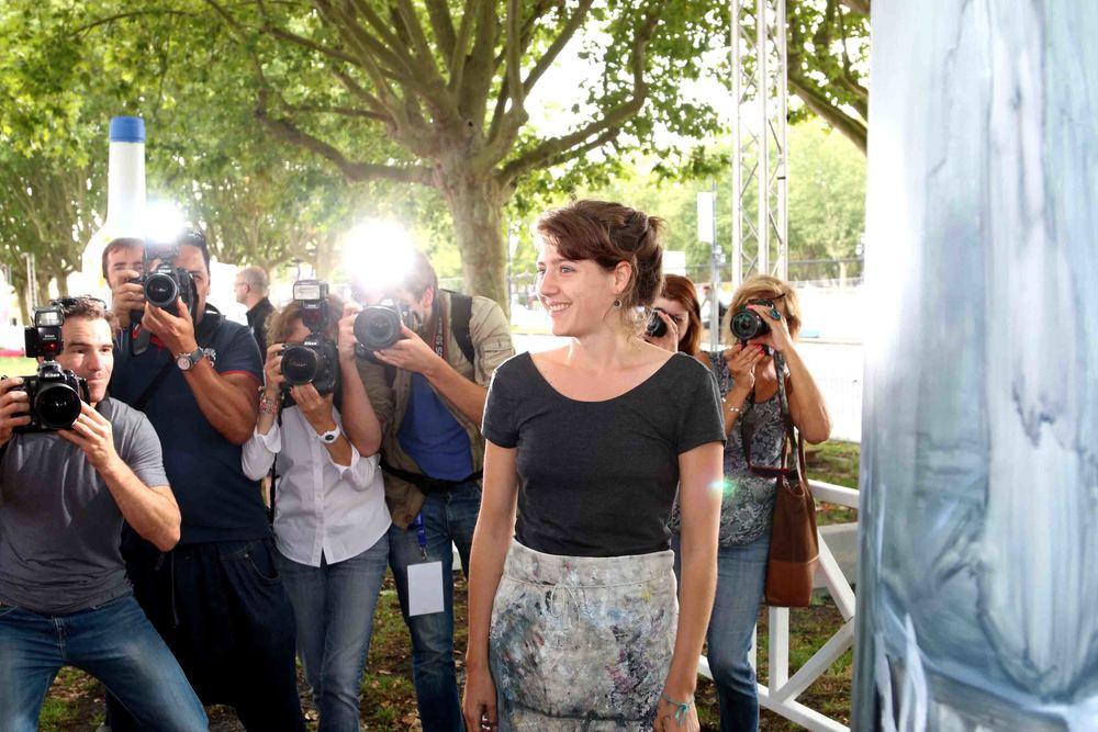 Artist showing at t he Arts Garden at Bordeaux Fête Le Vin