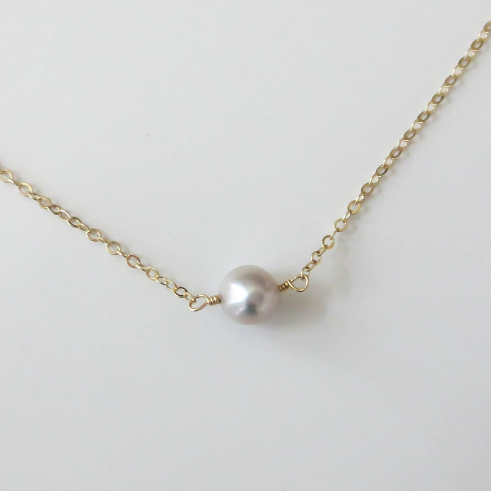 Grey Tiny Pearl Necklace
