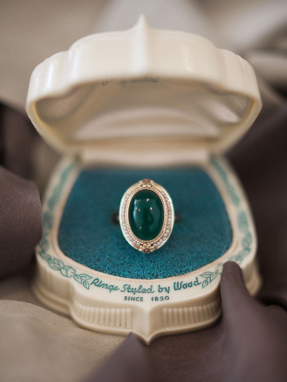Wedding Wednesday | 8 Artfully Vintage Engagement Rings